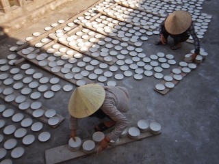 A visit to Bat Trang Ceramic village & Le Mat snake village from Hanoi